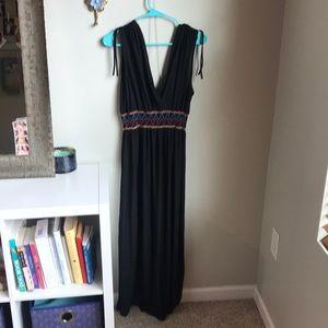 Black plus maxi dress with Aztec design!